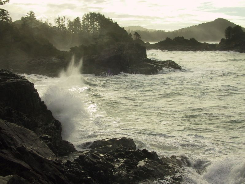 Crashing Ocean in Tofino at Ch-ahayis Resort