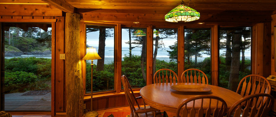 Dining at Ch-ahayis Beach House in Tofino